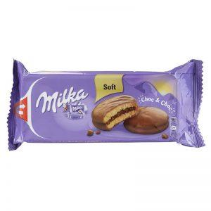 ביסקוויט במילוי קרם שוקולד עשיר מצופה שוקולד חלב Milka